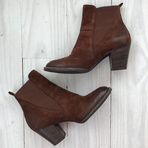 40286ef6eefd Paul Green  Jules  Block Heel Chelsea Boot. M 5a636a015521be3fed627215